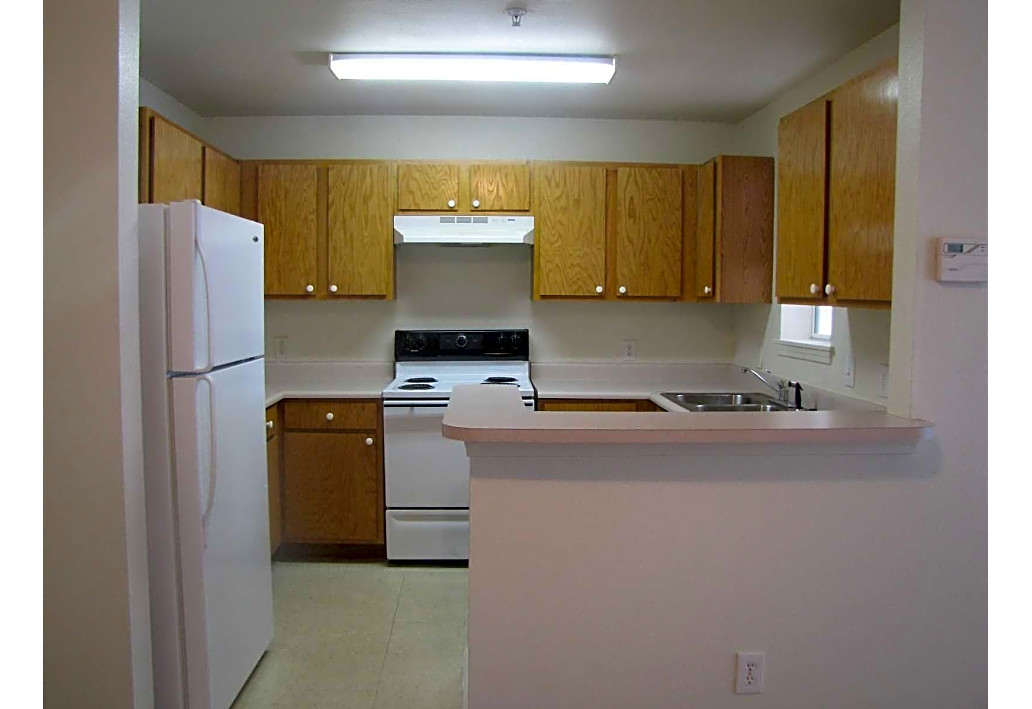 Springfield Crossing Apartments Columbus GA kitchen